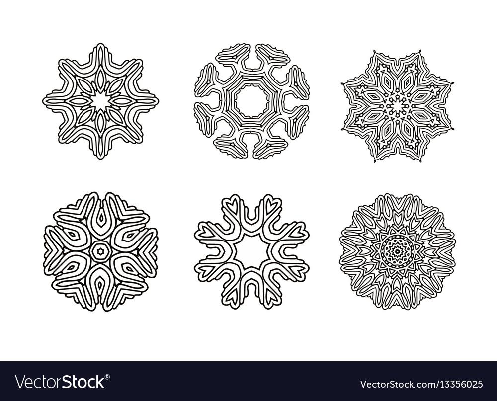 Circular pattern set round ornament