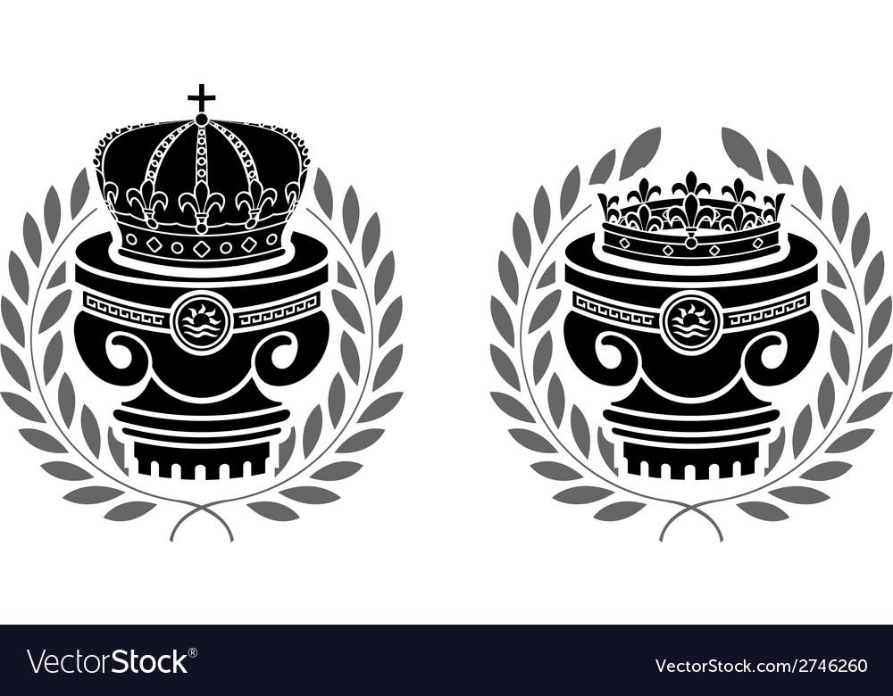 Pedestals of crowns