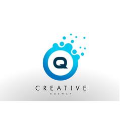 q letter logo blue dots bubble design vector image