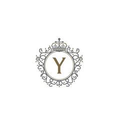 crown leaf logo initial y vector image