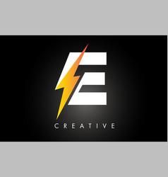 E letter logo design with lighting thunder bolt vector