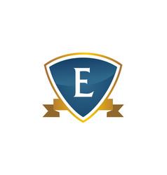 shield ribbon letter e vector image