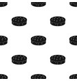 bilberry cake icon in black style isolated on vector image vector image