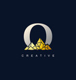 letter o with golden mountain logo de vector image vector image